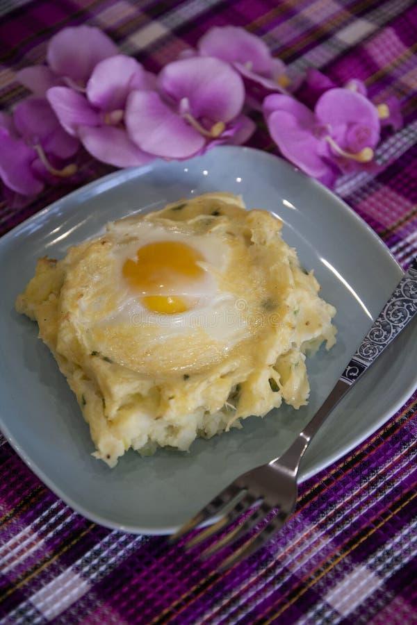 Colcannon - chou a écrasé des pommes de terre avec des oeufs - cuisine irlandaise photo libre de droits