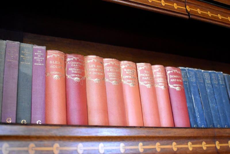 Coleção bonita de livros antigos foto de stock