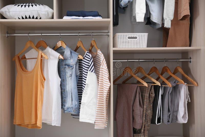 Coleção da roupa à moda fotos de stock royalty free