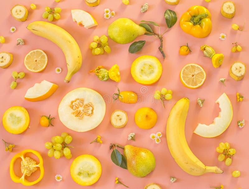 Coleção de frutas e legumes amarelas frescas fotos de stock royalty free