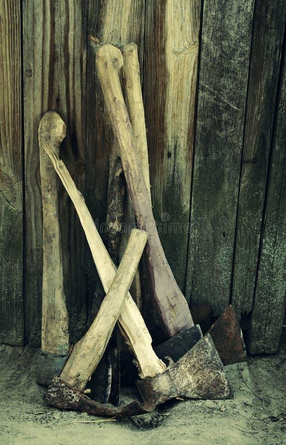 Coleção de machados velhos fotos de stock