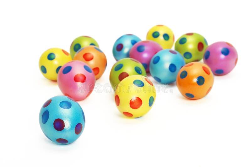 Coleção de ovos da páscoa coloridos com foco no primeiro ovo azul foto de stock royalty free