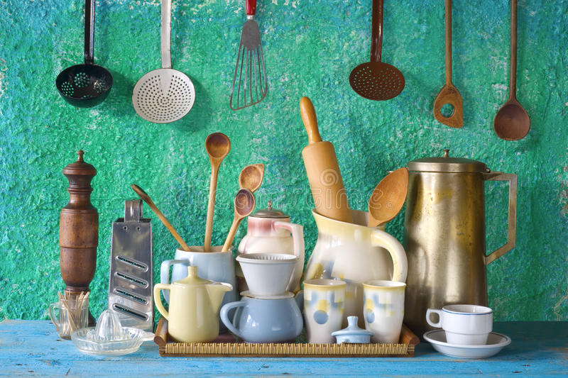 Coleção do kitchenware do vintage imagem de stock royalty free