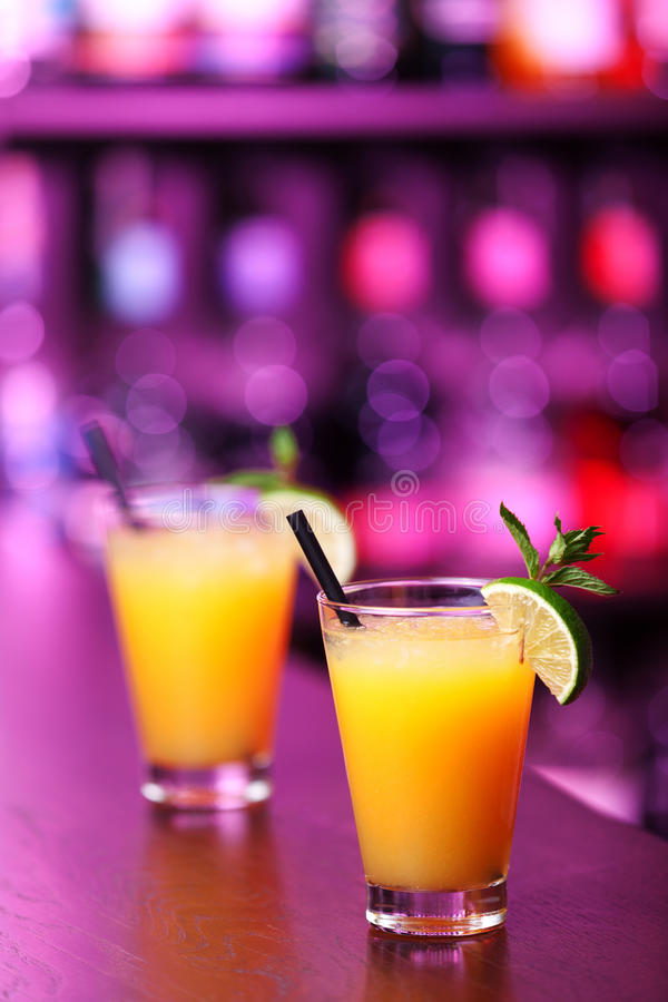 Coleção dos cocktail - Harvey Wallbanger fotografia de stock