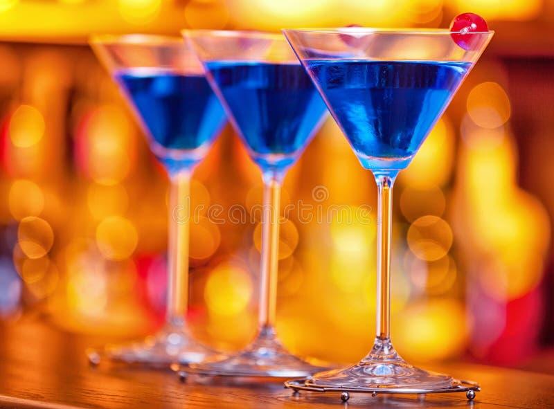 Coleção dos cocktail - Martini azul imagens de stock royalty free