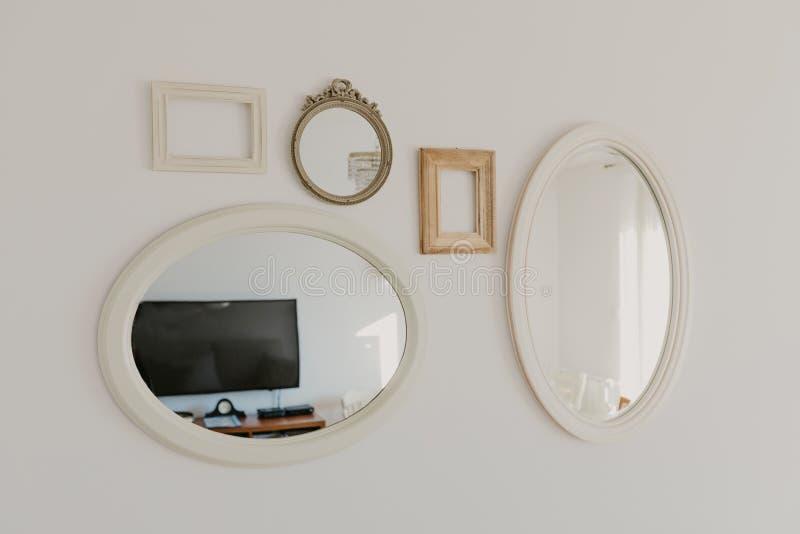 Coleção dos quadros para imagens e espelhos imagens de stock