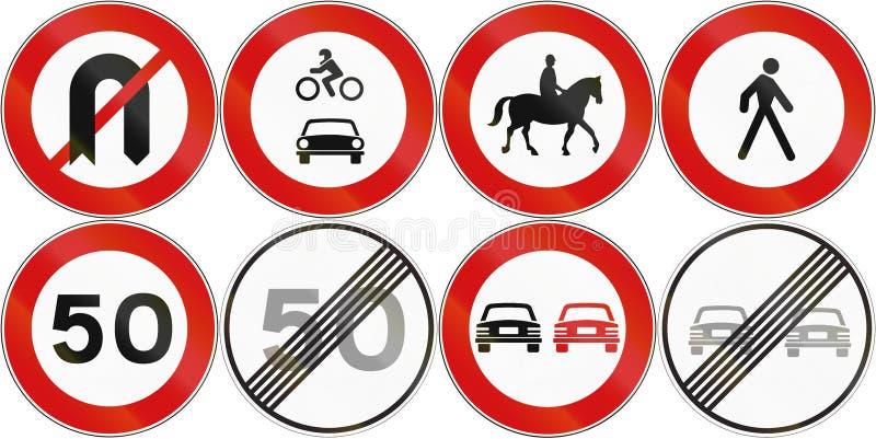 Coleção dos sinais de estrada reguladores usados em Malta ilustração royalty free
