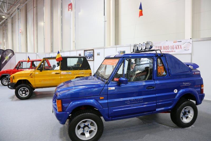 Colección de ARO 10 de coches en SIAB, Romexpo, Bucarest, Rumania de la época imagen de archivo libre de regalías