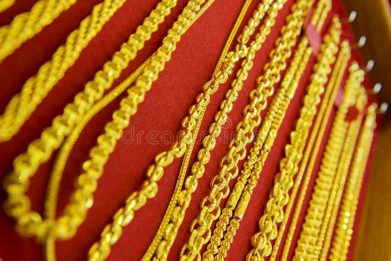 Colección de collar de oro fotos de archivo