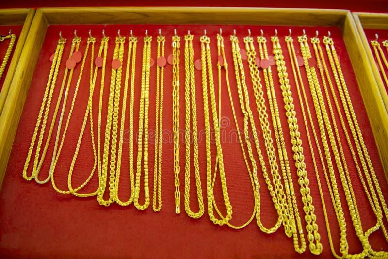 Colección de collar de oro foto de archivo