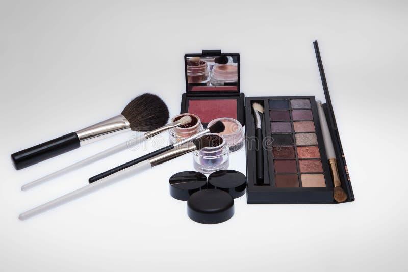 Colección de cosméticos para el artista de maquillaje imagen de archivo