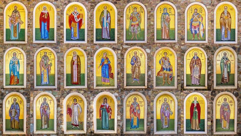Colección de figuras bíblicas, hecha con las tejas de mosaico imágenes de archivo libres de regalías