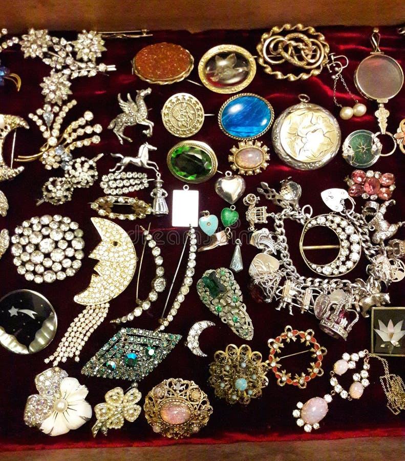Colección de la joyería de traje fotografía de archivo libre de regalías