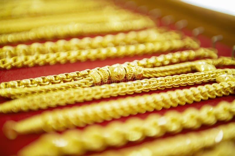 Colección de pulsera de oro fotografía de archivo