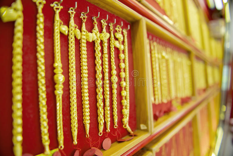 Colección de pulsera de oro imagen de archivo libre de regalías
