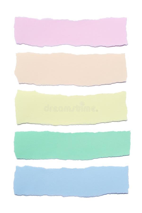Colección de rayas de papel multicoloras con los bordes rasgados aislados en el fondo blanco imagen de archivo libre de regalías