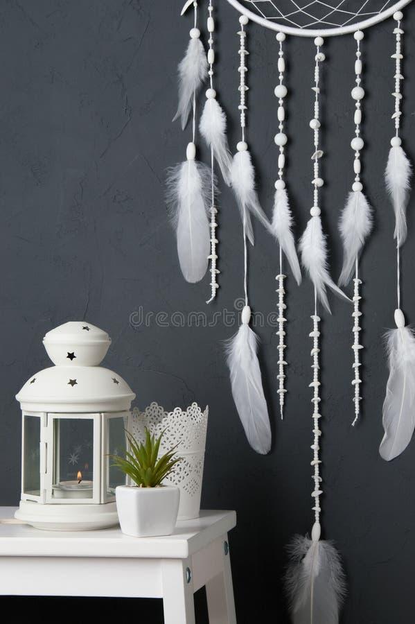 Download Colector Ideal Blanco En Gris Imagen de archivo - Imagen de dormitorio, accesorio: 100529099