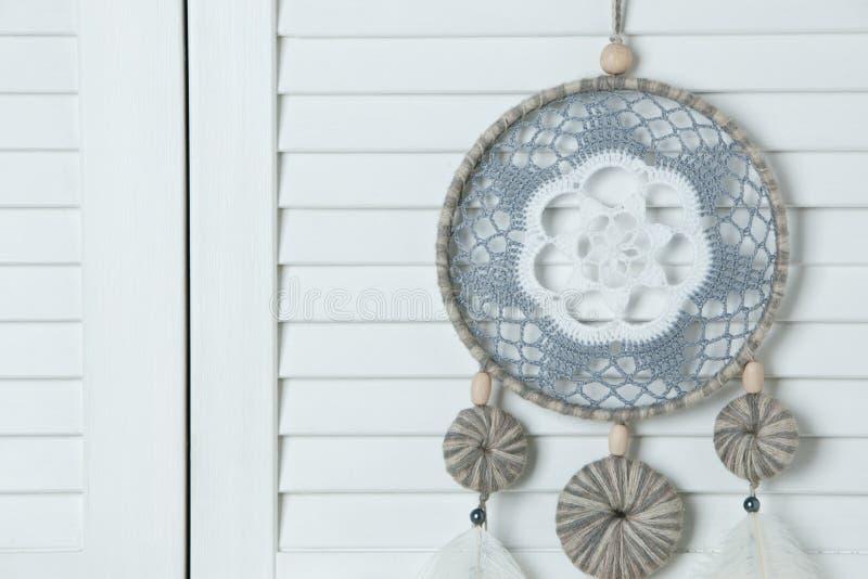 Download Colector ideal gris blanco foto de archivo. Imagen de cultura - 100530254