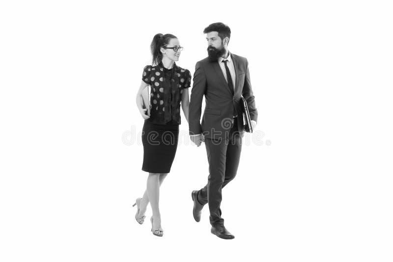 Colegas de trabalho novos businesspeople Parceria e colabora??o Homem com barba e mulher 'sexy' Pares do neg?cio isolados fotografia de stock royalty free