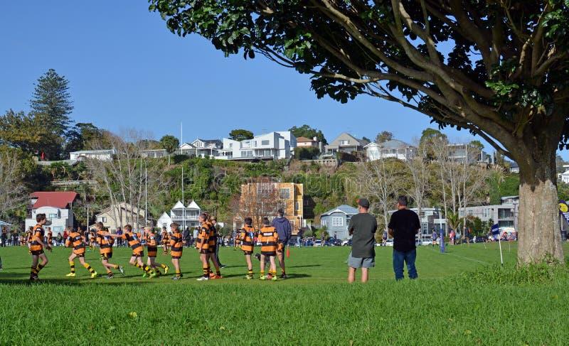 Colegial Junior Rugby en Auckland, Nueva Zelanda imagen de archivo libre de regalías