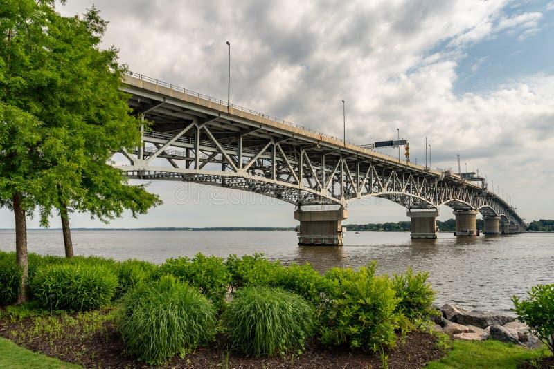 Coleman Bridge sul fiume di York fotografia stock libera da diritti