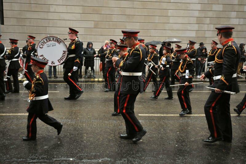 Coleraine Fife and Drum est un ensemble musical composé de cinémas et de tambours image stock