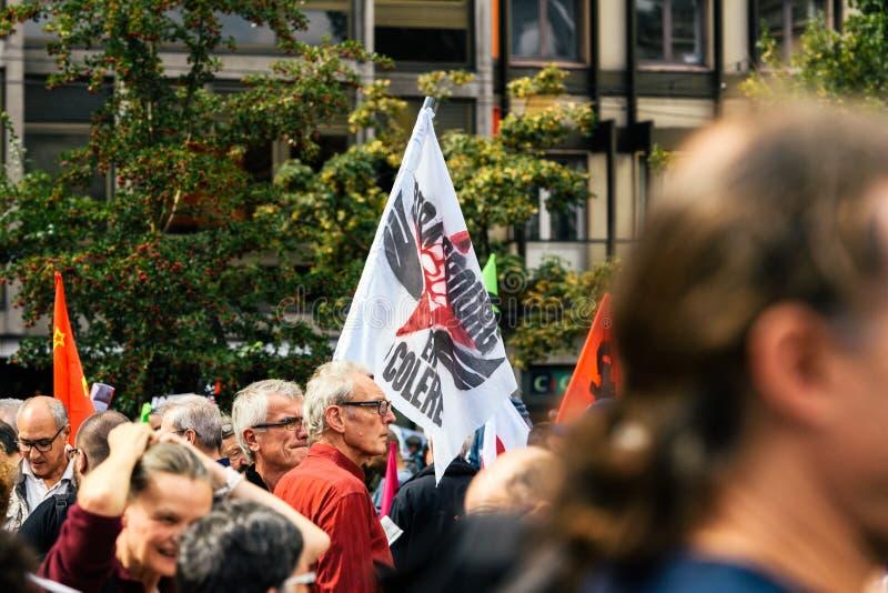 Colere Strasbourg d'en de Strabourg fâché contre le drapeau de protestation photo stock