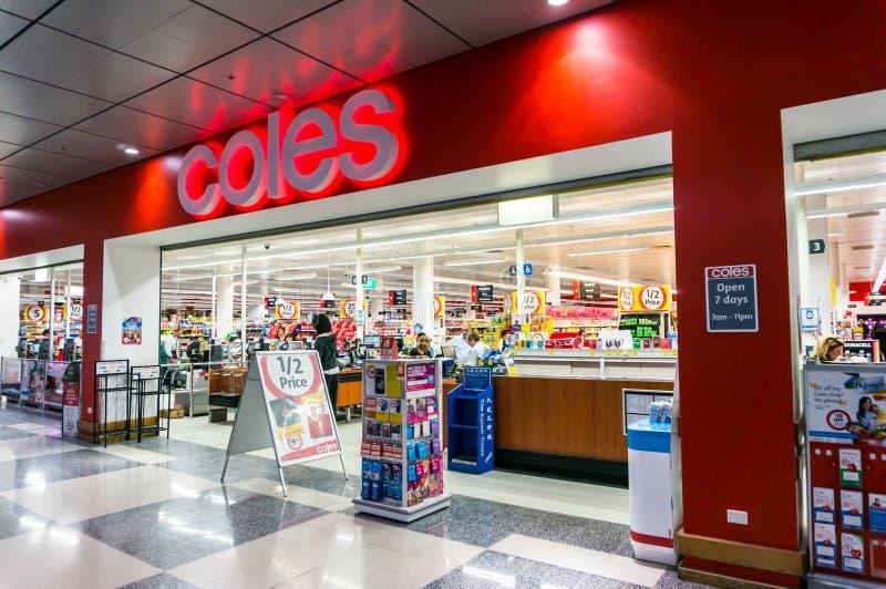 Coles-Supermarkt im Kasten-Hügel, Melbourne lizenzfreie stockbilder