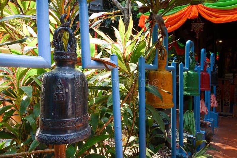 Colgante colorido de las campanas fotos de archivo
