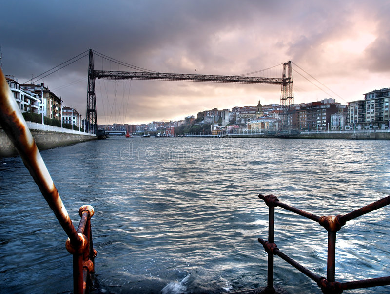 colgante de puente vizcaya royaltyfri foto