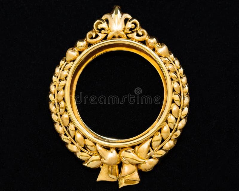 Colgante Del Marco Del Medallón Del Oro Foto de archivo - Imagen de ...