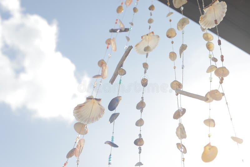 Colgante hecho en casa de los carillones de viento foto de archivo libre de regalías