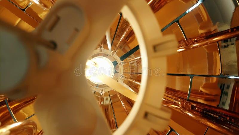 Colgante interior del oro imagenes de archivo