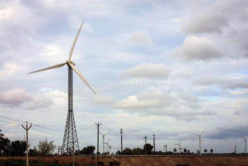 Colhendo a eletricidade das energias eólicas, Kanyakumari fotos de stock