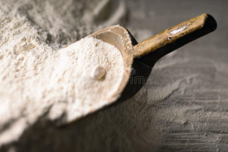 Download Colher da farinha foto de stock. Imagem de nutriente - 26510080