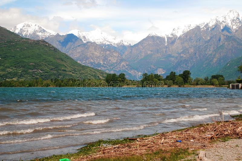 Colico sjö av Como arkivbilder