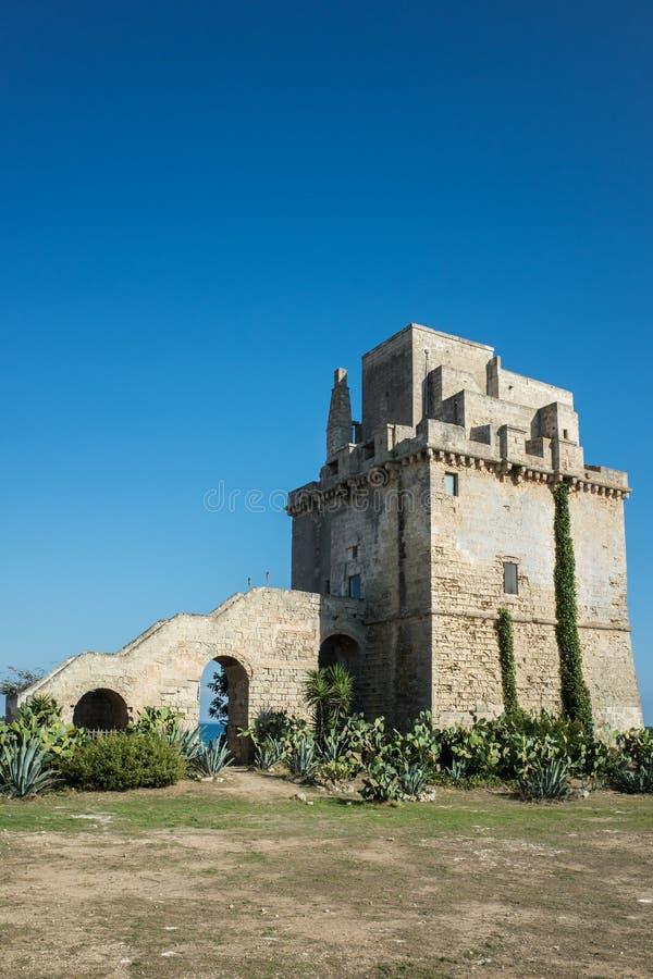 Colimena torn Puglia Italien arkivfoton