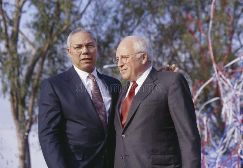 Colin Powell en Dick Cheney bij een campagne van Bush/Cheney-verzamelen in Costa Mesa, CA, 2000 stock foto