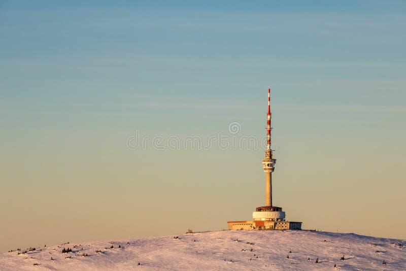 Colina de Praded en la luz de la tarde - colinas de Jeseniky, CZ fotos de archivo libres de regalías