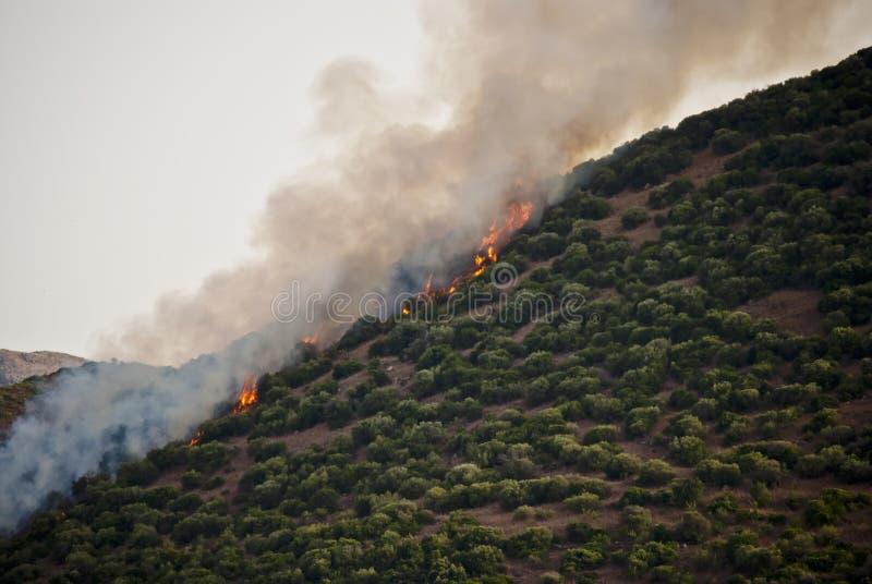 Colina en el fuego en Cerdeña