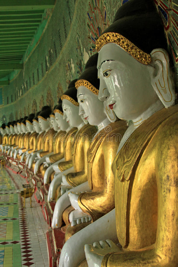 Colina Mandalay de Sagaing de los imagies de Buddha @ imagen de archivo