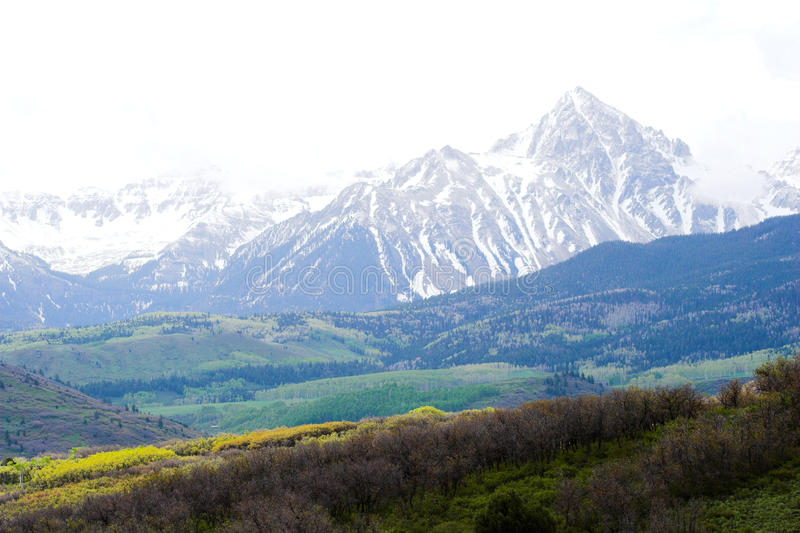 Colinas y montañas imágenes de archivo libres de regalías