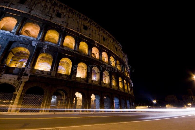 Coliseo en la noche imagen de archivo libre de regalías