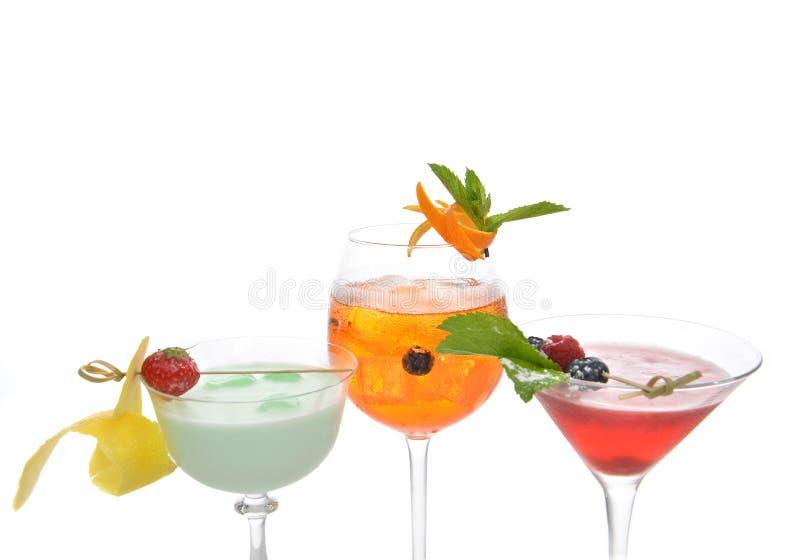Coll anaranjado rojo verde de los cócteles del mojito de martini del margarita del alcohol imagen de archivo