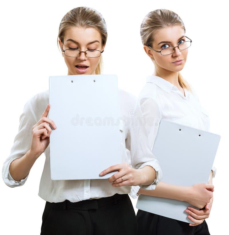 Collage av den unga blonda affärskvinnan med skrivplattan fotografering för bildbyråer