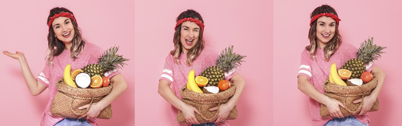 Collage avec la femme et le fruit sur le fond rose images stock