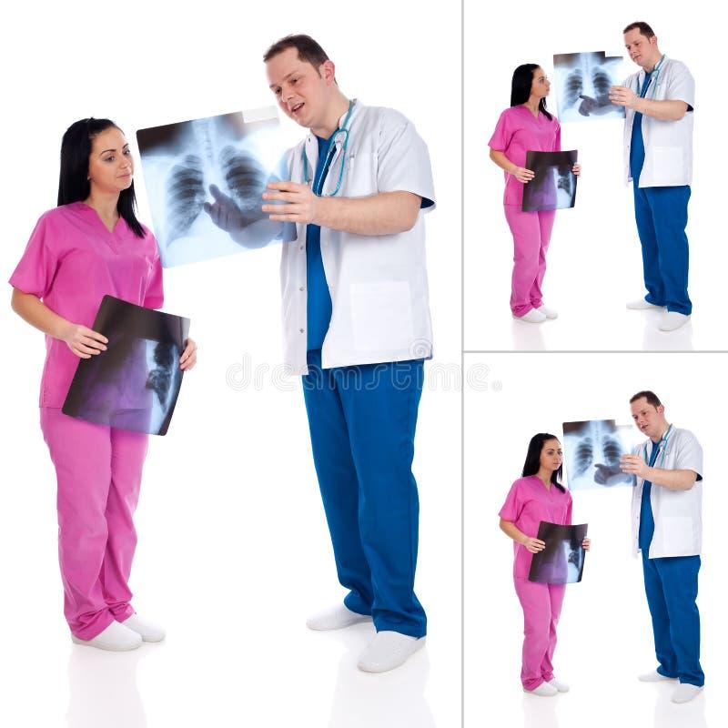 Collage de deux médecins avec la radiographie photographie stock libre de droits