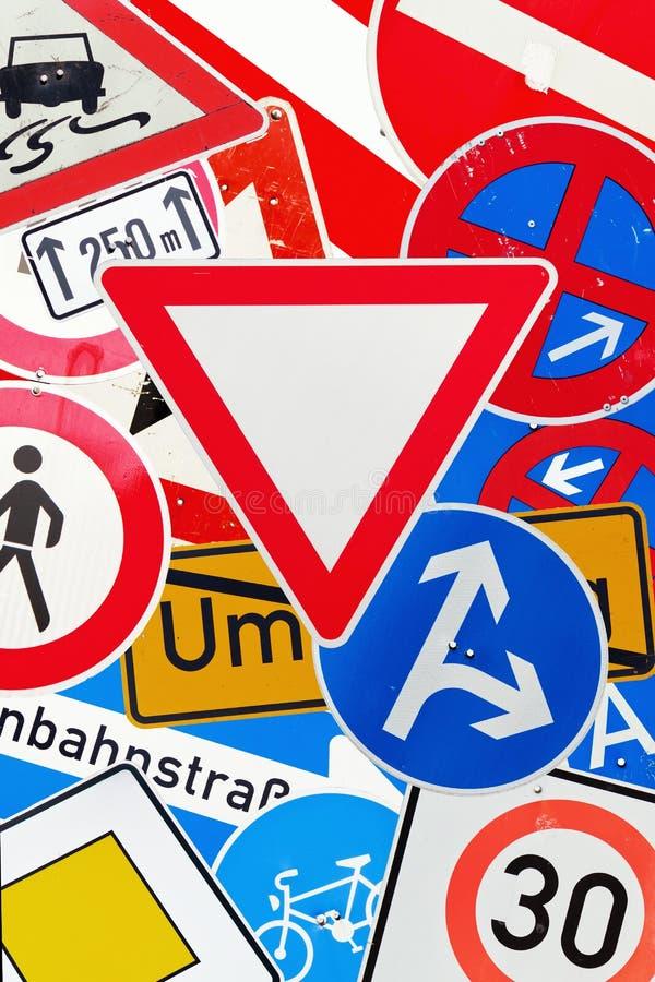 Collage des poteaux de signalisation allemands image libre de droits