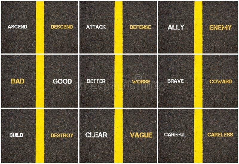 Collage de photo des concepts d'antonyme écrits au-dessus du macadam illustration stock