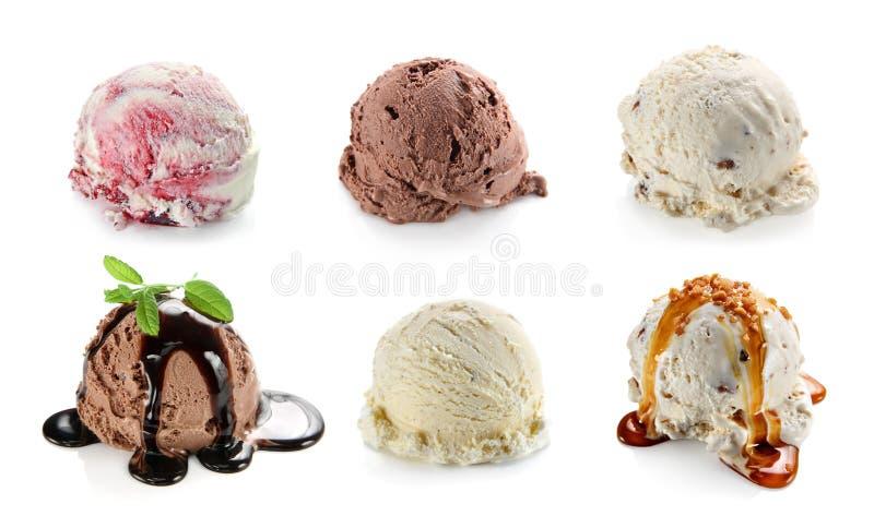 Collage dei ripartitori con il gelato della vaniglia, del cioccolato e del mirtillo immagine stock